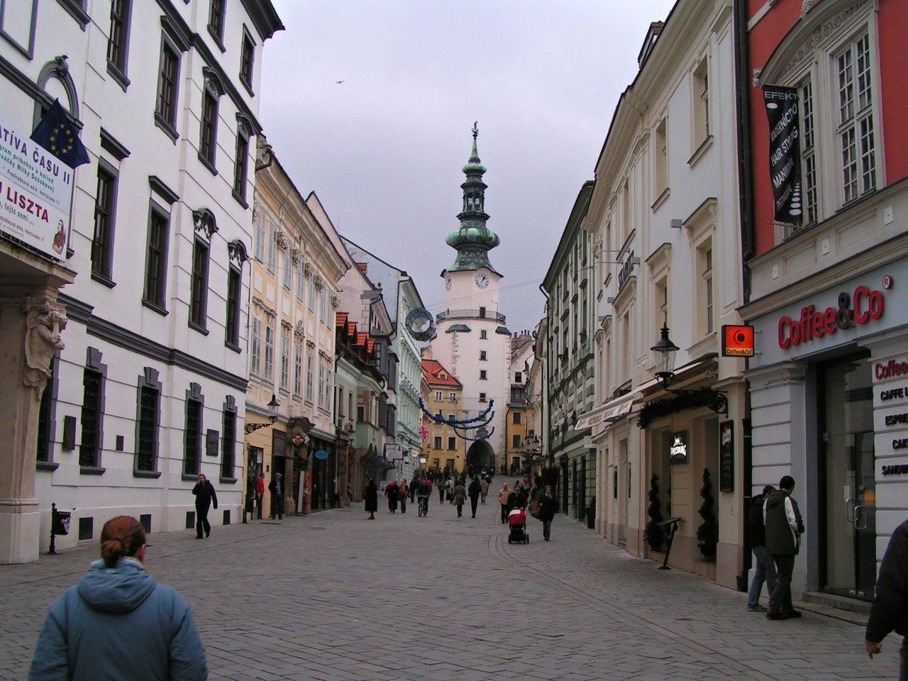 Bratislava, Najkrajšie miesta na Slovensku
