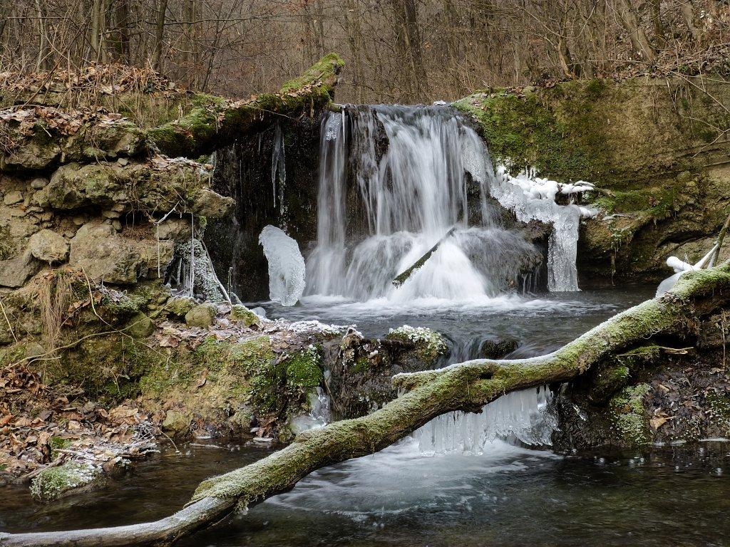 Hájske vodopády v zime, Slovensko