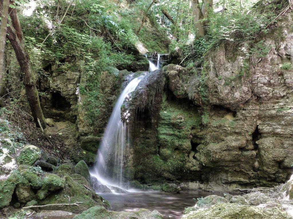 Stredný vodopád, Hájske vodopády, Slovensko