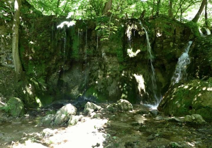 Veľký vodopád počas horúceho a suchého leta, Hájske vodopády, Slovensko