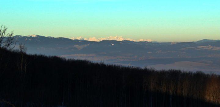 Vysoké Tatry nad Košicami z Bradla, Slanské vrchy, Slovensko