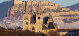 Spišská kapitula so Spišským hradom v pozadí, Košický kraj, Východné Slovensko