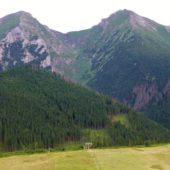 Vľavo Ždiarska vidla (2,142 m) a vpravo Havran (2,152 m), Belianske Tatry, Východné Slovensko