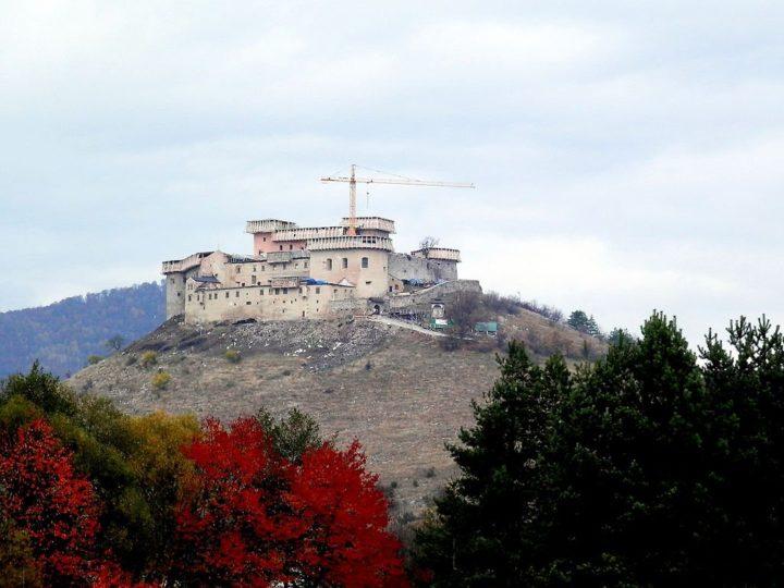 Zrúcanina hradu Krásna Hôrka, Východné Slovensko