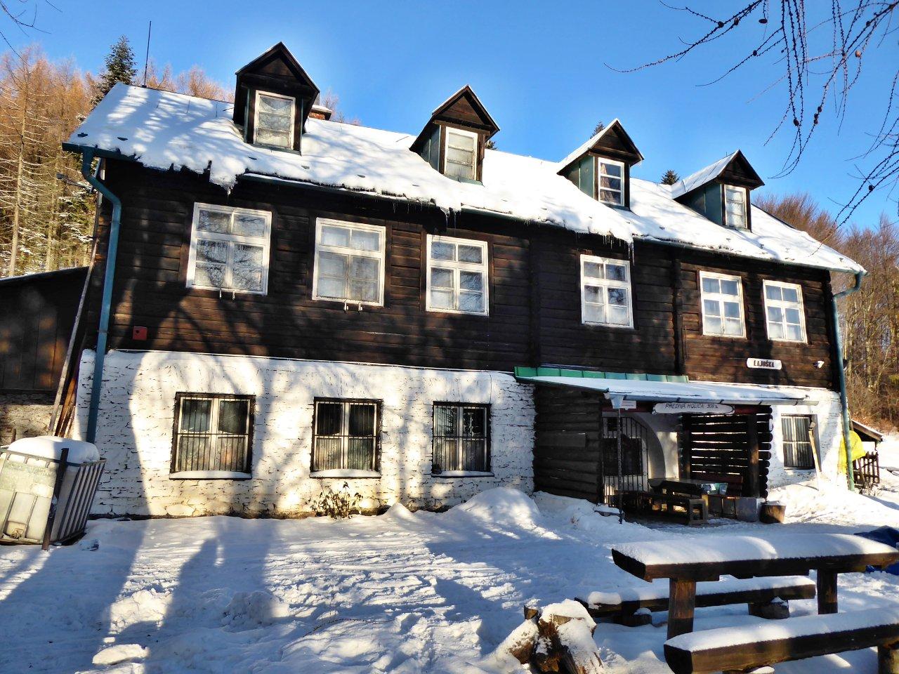 Chata Lajoška v zime, Kam do mesta Košice