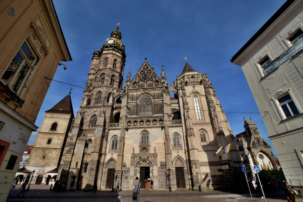 Urbanova veža, Dóm svätej Alžbety a Kaplnka svätého Michala, Kam do mesta Košice