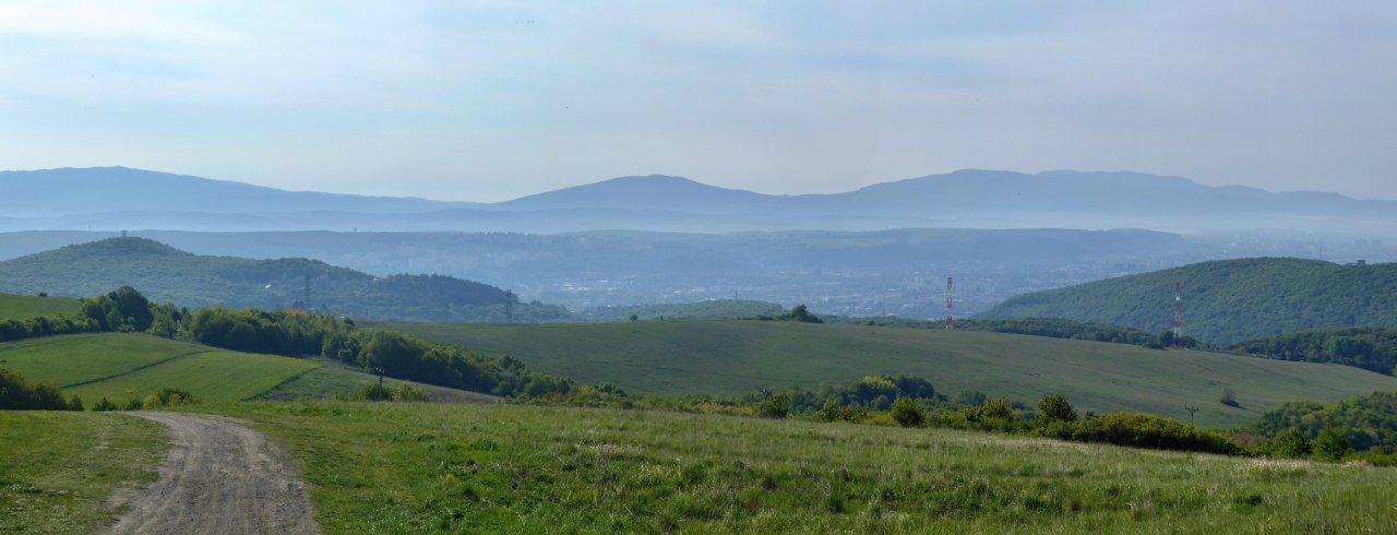 Výhľad spod kopca Hŕbok (572m), Košice