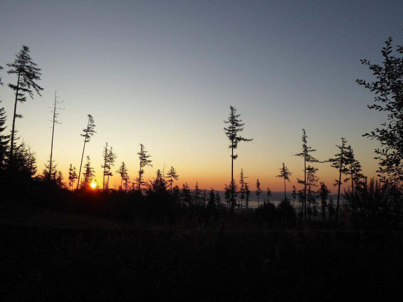 Východ slnka po ceste na Hrebienok, Vysoké Tatry, Slovensko