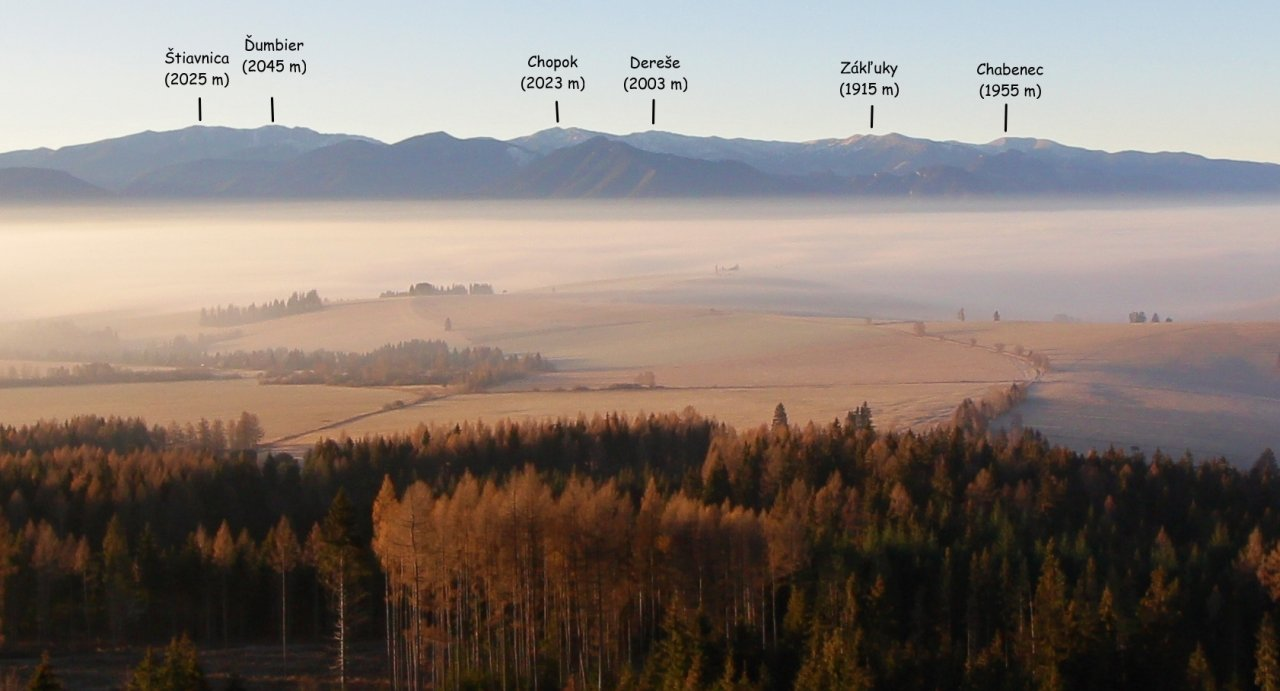 Vrchy Nízkych Tatier z cesty na vrch Baranec, Západné Tatry
