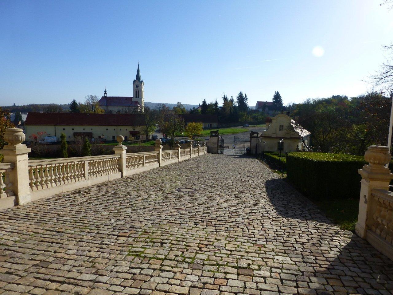 Zámok Mníšek pod Brdy, České hrady a zámky 2